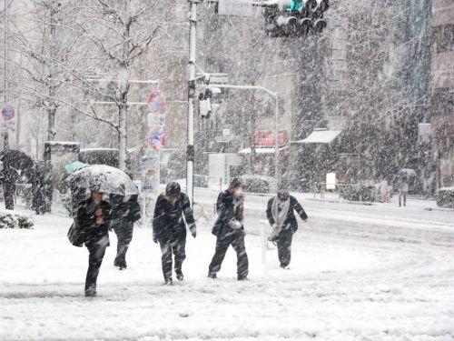 Maltempo in arrivo: rovesci, temporali e quota neve in calo su molte regioni italiane