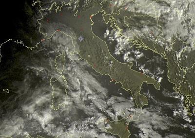 Tempo in atto, 12 Dicembre 2018: nubi in aumento in Italia con piogge e neve in arrivo. Fonte sat24.com