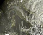 Tempo in miglioramento ma per poco, residue piogge al Sud - sat24.com