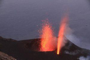Stromboli, aumenta l'attività vulcanica