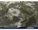 Tempo in peggioramento dal pomeriggio con piogge specie al Centro-Sud - sat24.com