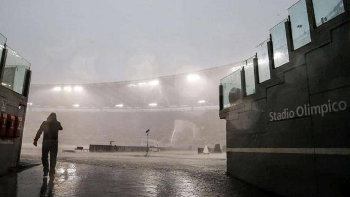 Maltempo all' Olimpico nelle prossime ore. Foto Gazzetta.it