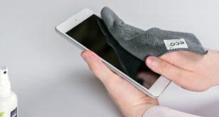 pulire smartphone per proteggersi dal Coronavirus