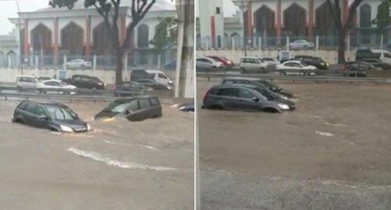 Alluvione lampo: improvviso fiume di fango invade strade e trascina via automobili e persone. Situazione difficile, il video dalla Malesia