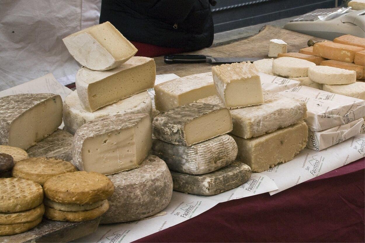 Mangiare troppo formaggio può far male alla salute: ecco quali sono i  rischi per il nostro organismo - Centro Meteo Italiano
