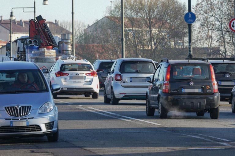 Blocco traffico Roma oggi, domenica 1 marzo 2020: orari stop auto. I veicoli che possono circolare