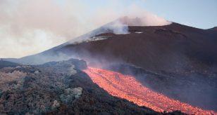 Etna, aumento repentino dell'attività