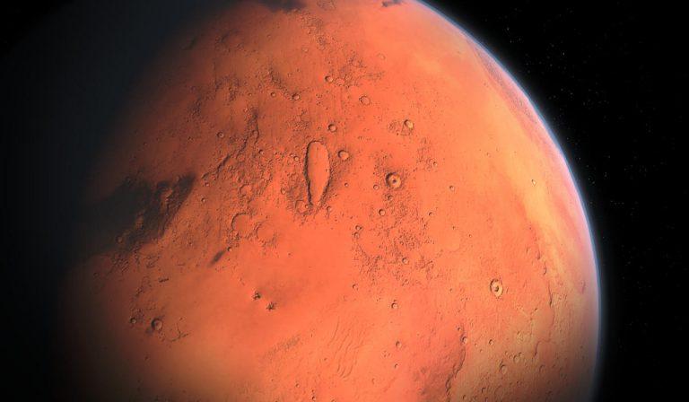 Marte, scoperti laghi salati sotto la superficie del pianeta: la scoperta dei ricercatori italiani