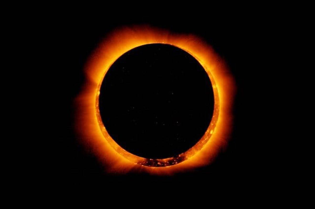 A dicembre un'eclissi solare totale farà sprofondare il Sud America nel buio: ecco cosa succederà