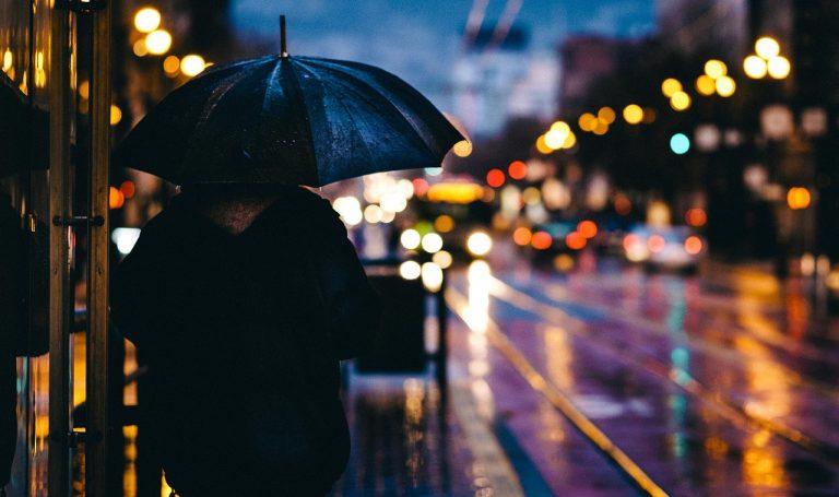 METEO NAPOLI – Dopo qualche PIOVASCO temporaneo miglioramento, tornano le forti PIOGGE, ecco le previsioni