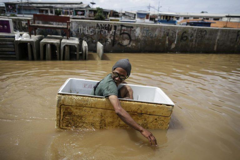 METEO – Violenti NUBIFRAGI colpiscono diverse zone dell'India: ci sono 27 morti e oltre 20mila evacuati, i dettagli