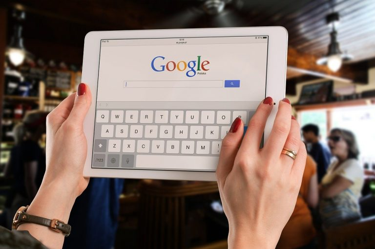 Google, ora è possibile cercare una canzone fischiettandola o canticchiandola: ecco come