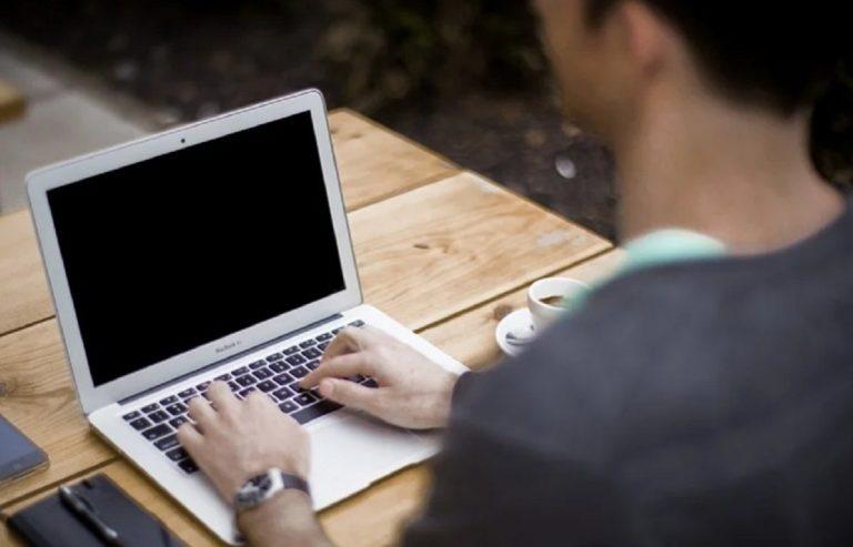 Bonus Pc e Internet, da novembre al via le domande: come funziona e come richiederlo