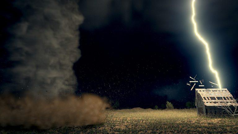 METEO – Tempeste di GRANDINE e TORNADO causano morti e feriti nel KwaZulu-Natalin Sud Africa: tantissimi i danni, i dettagli