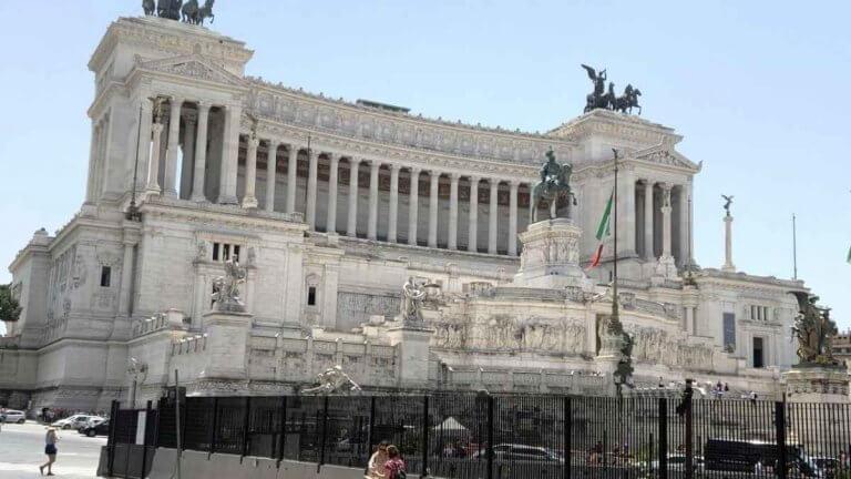 METEO ROMA – L'ANTICICLONE porterà STABILITA' persistente con clima gradevole, ecco le previsioni
