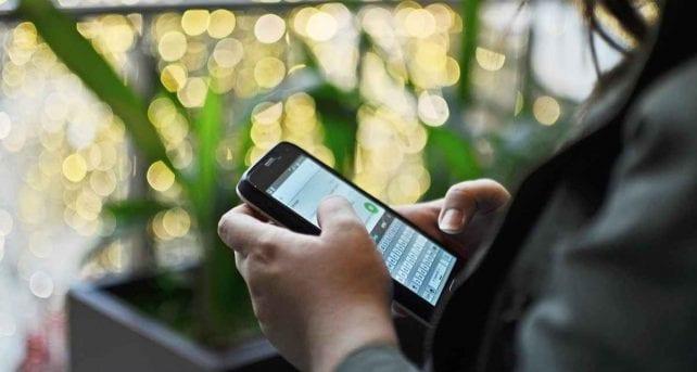 WhatsApp, si può rispondere ai messaggi senza toccare lo smartphone: ecco come