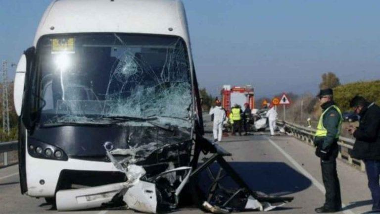 Autobus si schianta in Colombia: ci sono almeno 4 morti e 17 feriti. Ecco cosa è successo