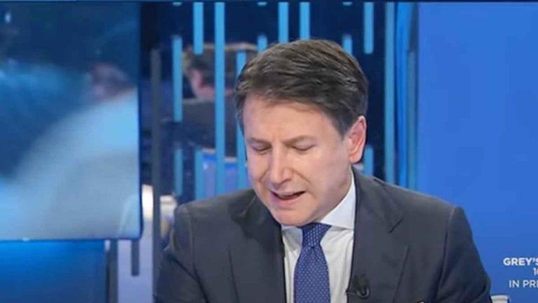 Conte tossisce ripetutamente in diretta tv su La7: cosa succede al premier? IL VIDEO