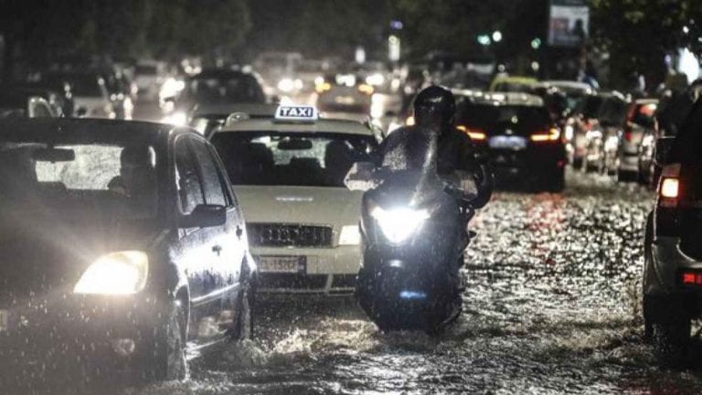 Nubifragio a Catania, persone intrappolate nei sottopassaggi allagati: ecco cosa è successo
