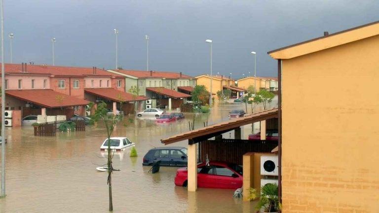METEO – EMERGENZA MALTEMPO in Sardegna, ponte crollato a Orune e intere zone isolate; diverse EVACUAZIONI, i dettagli