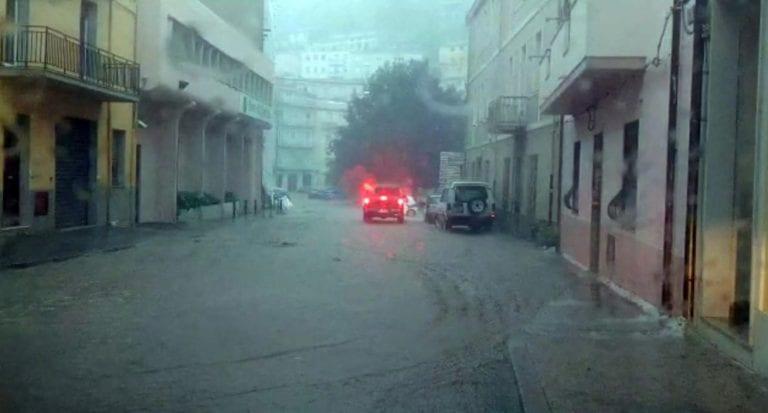 METEO – Forte MALTEMPO colpisce la Sardegna: PIOGGE ALLUVIONALI causano 3 vittime a Bitti, nel nuorese. VIDEO
