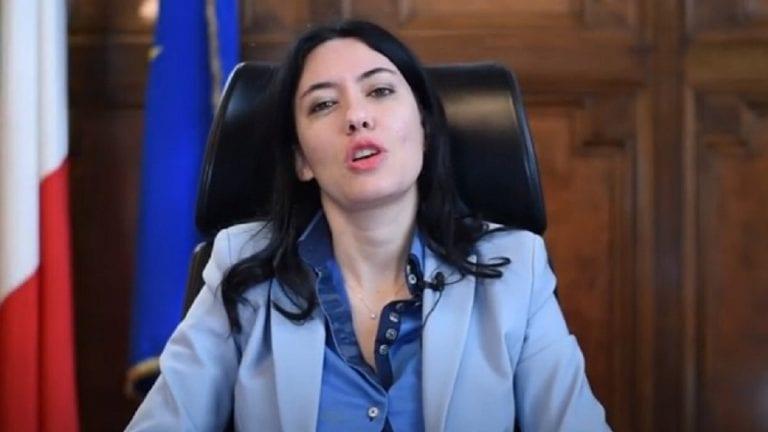 """Coronavirus, """"i bambini sono esempi di maturità nel rispettare le regole"""": le dichiarazioni della ministra Azzolina"""