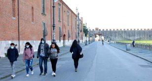 Coronavirus, tamponi obbligatori in Sicilia per chi arriva dal centro-nord: la nuova ordinanza