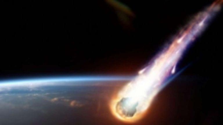Una grande palla di fuoco ha illuminato Cadice quasi come la luna piena – VIDEO