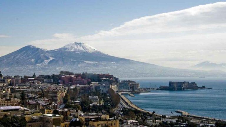 METEO NAPOLI – ANTICICLONE protagonista del Mediterraneo, disturbi nuvolosi innocui in città, ecco le previsioni