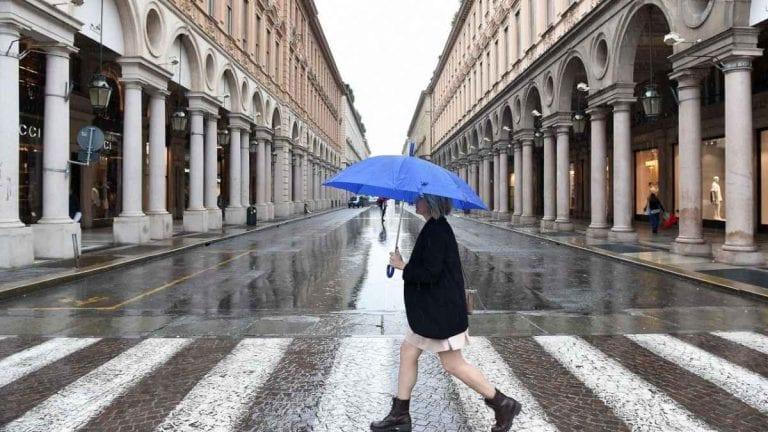 METEO TORINO – Giornata con molte nubi e deboli PIOGGE, a seguire avvio di settimana con l'ANTICICLONE; le previsioni