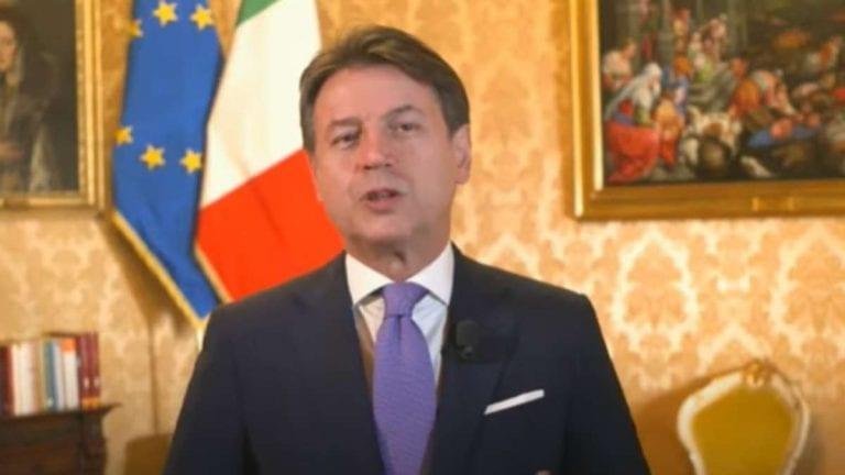 """Coronavirus, Conte annuncia: """"Con terza ondata o variante inglese Italia sarà ancora zona rossa"""". Le parole del Premier"""