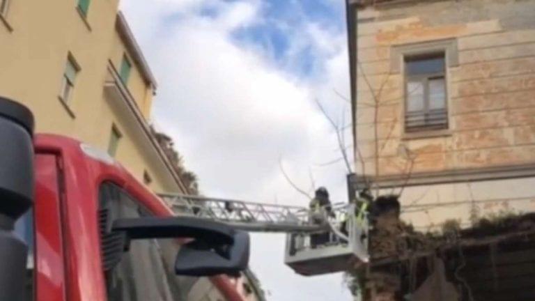 Napoli, paura per il crollo della facciata della chiesa Santa Maria del Rosario alle Pigne a Piazza Cavour, tutti i dettagli