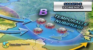 Cartina meteo che mostra i temporali ed i nubifragi sui versanti Tirrenici Italiani del centro-sud