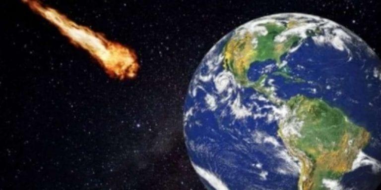 Meteorite esplode nel cielo notturno di Madrid, visto fino a 600 km di distanza – VIDEO