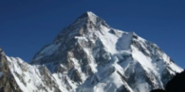 K2, tre alpinisti dispersi mentre tentavano la scalata, la situazione: cresce l'apprensione