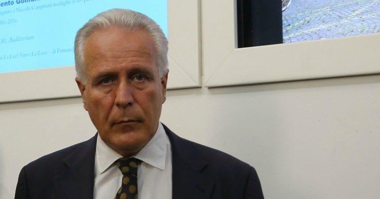 """Coronavirus , l'ottimismo del governatore Giani: """"Il caldo spazzerà via il virus, avanti con i vaccini"""""""