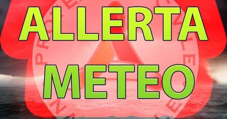 METEO – Fronte di MALTEMPO con PIOGGE in arrivo, la Protezione Civile diffonde l'ALLERTA: ecco le città colpite
