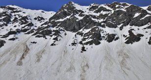 Valanga sul monte Jof Fuart: due morti sotto la neve, un sopravvissuto per miracolo.