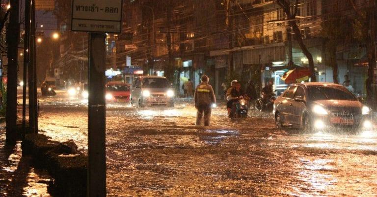 METEO – Violenti NUBIFRAGI TRAVOLGONO la Provincia di Jiangsu, in Cina: 11 morti, 66 feriti, 9 dispersi e tanti DANNI, i dettagli