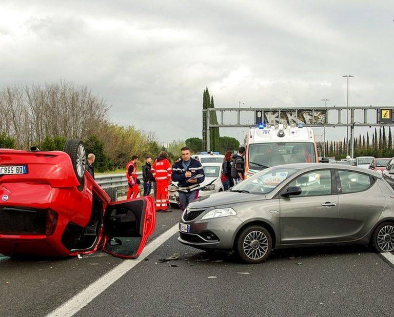 Maxi tamponamento causa numerosi feriti e coinvolge 15 macchine: ecco quanto accaduto a Taranto. I dettagli