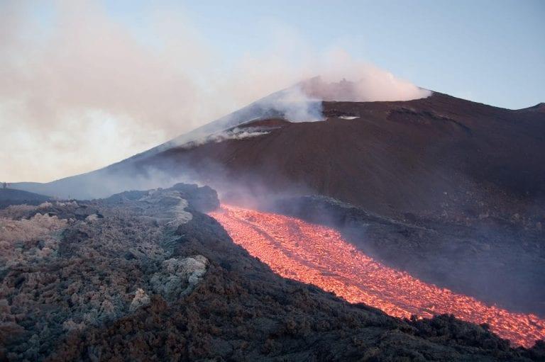 Etna, il fianco orientale sta scivolando verso est: ecco il motivo