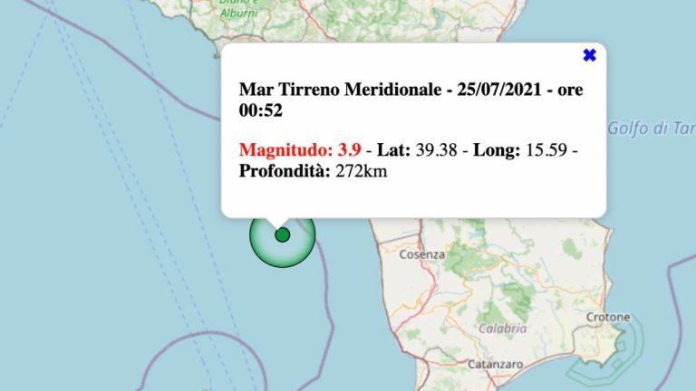 Terremoto in Italia oggi, sabato 24 luglio 2021: scossa M 3.9 sul Mar Tirreno Meridionale | Dati INGV