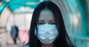 """Coronavirus, annuncio del Presidente De Luca: """"In Campania prorogato l'obbligo mascherina all'aperto"""". Ecco fino a quando"""