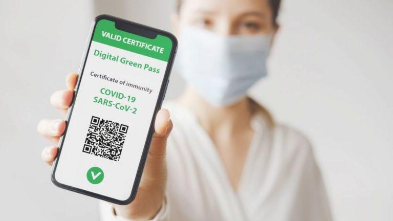 Green Pass, sarà obbligatorio per tutti i lavoratori pubblici e privati. Ecco quando si partirà