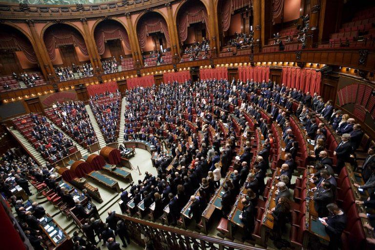 Coronavirus, le regole sul Green Pass varranno anche in Parlamento? L'annuncio di Roberto Fico