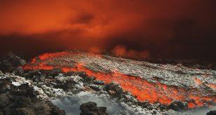 Vulcano si sveglia, attività vulcanica rilevata dall'INGV: allerta per i cittadini, ecco cosa sta succedendo e dove