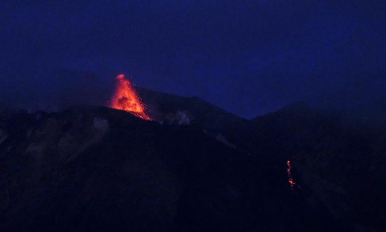 Forte esplosione e colata lavica: il vulcano Stromboli torna a farsi sentire. Ecco cos'è successo
