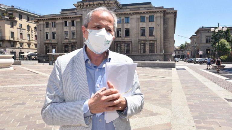 """Coronavirus, Crisanti annuncia: """"Il numero dei contagi in Italia non può essere reale…"""""""