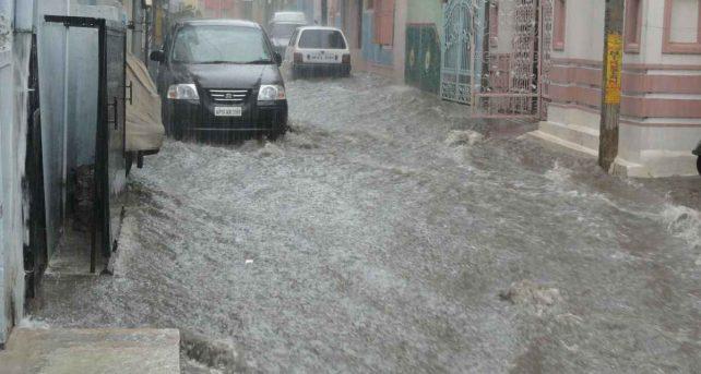 """METEO - ALLUVIONE a Catania, il Sindaco dispone la chiusura di scuole e attività commerciali: """"Restate a casa"""""""